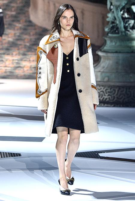 Эмма Стоун, Джастин Теру, Хлоя Морец и другие гости звездного показа Louis Vuitton